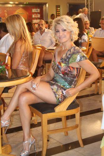 A atriz Antônia Fontenelle posa para foto na gravação do especial de Natal e Ano Novo do programa