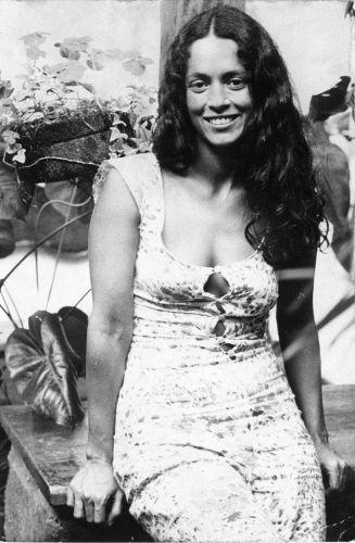 Sônia Braga como a Gabriela de novela global homônima, de 1975