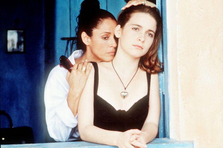 Sônia Braga e Cláudia Abreu em cena do filme