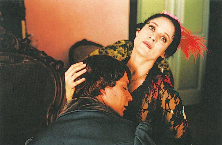 Os atores Petrônio Gontijo e Sônia Braga em cena do filme