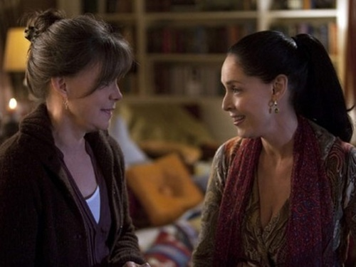 A atriz Sonia Braga com Sally Field na série norte-americana