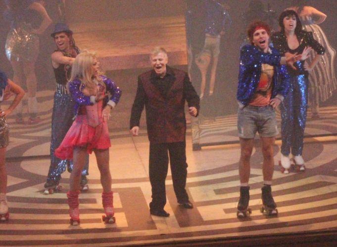 Ao lado de Danielle Winits e Thiago Fragoso, Miguel Falabella faz participação especial na peça musical