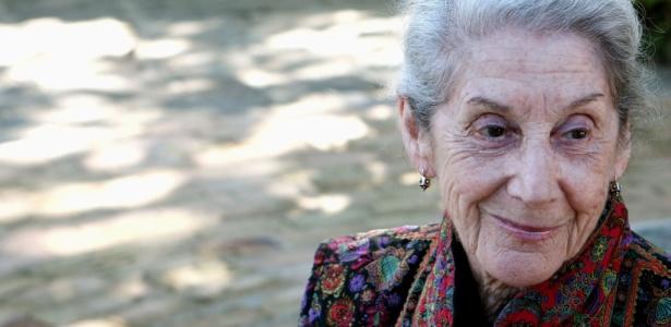A escritora sul-africana Nadine Gordimer durante entrevista, em Paraty, em 2007