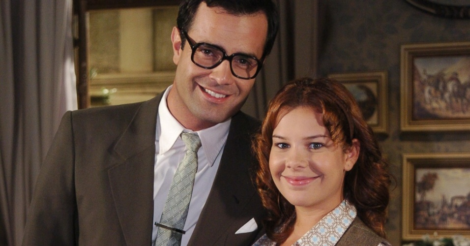 Arnaldo (Rodrigo Phavanello) e Carola (Fernanda Souza) em