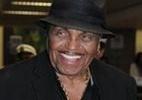 Joe Jackson chega a São Paulo para divulgar livro no qual fala sobre morte de Michael Jackson, seu filho