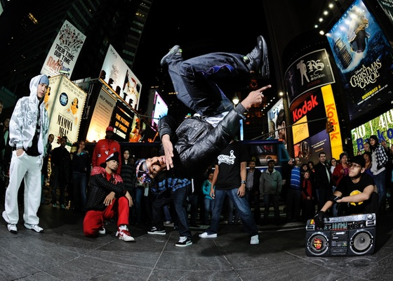 O b.boy brasileiro Neguim, vencedor do Red Bull BC One 2010