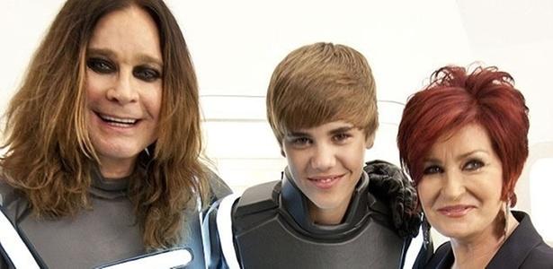 Ozzy Osbourne e Justin Bieber gravam propaganda do Super Bowl juntos com Sheron Osbourne