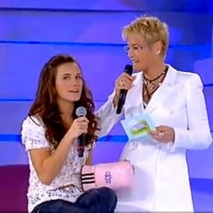 Bianca Bin (e) e Xuxa (d) durante o novo quadro Amizade Secreta