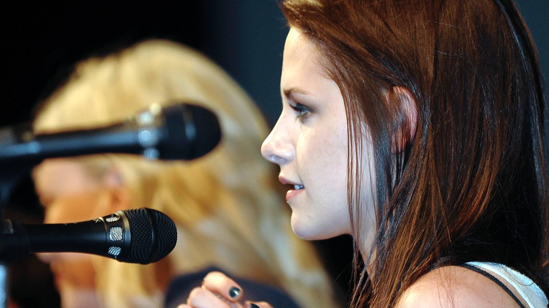 Kristen Stewart responde perguntas sobre novo filme de Branca de Neve na Comic- Con, nos Estados Unidos (23/7/11)