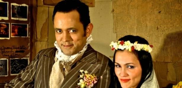 Joaz Campos e Suzana Alves em cena da peça O Casamento Suspeitoso (agosto/2011)