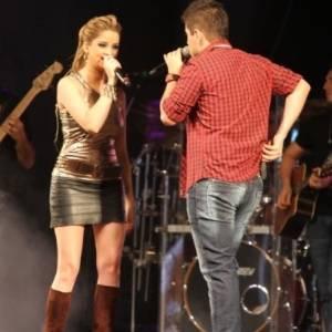 Na intimidade: Rodolfo da dupla com Maria Cec�lia revela que adora cantar no chuveiro