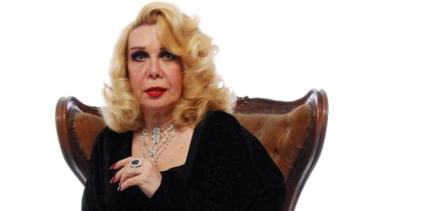 Rogéria, nome artístico de Astolfo Barroso Pinto, estreia monólogo musical (setembro/2011)