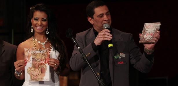 Cinthia Santos e Paulo Sérgio, presidente da Liga das Escolas de Samba de São Paulo, falam sobre como será o Carnaval 2012 (2/12/11)