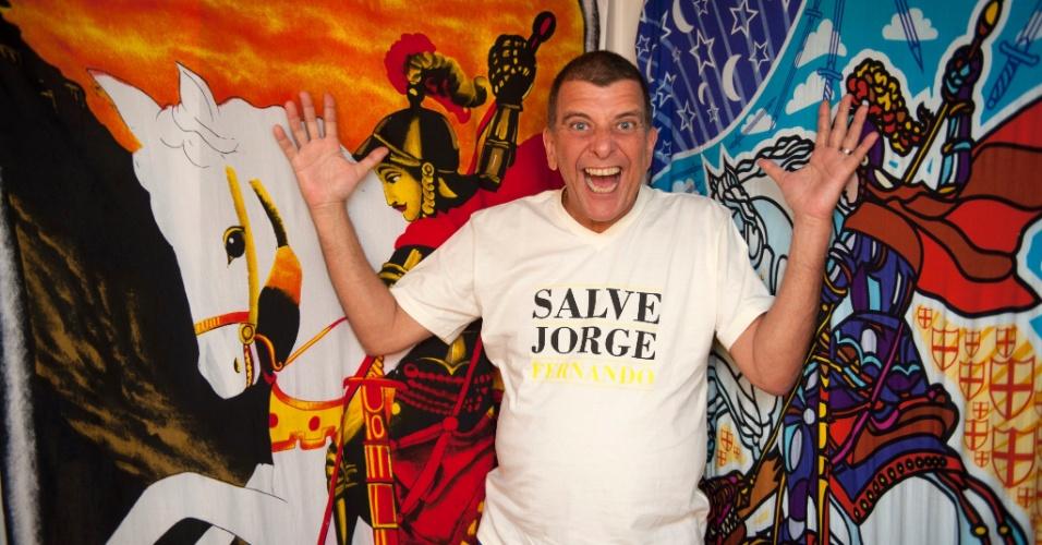 """Jorge Fernando mostra seu camarim da peça """"Salve Jorge"""". O local foi decorado com várias imagens ao santo (3/2/12)"""