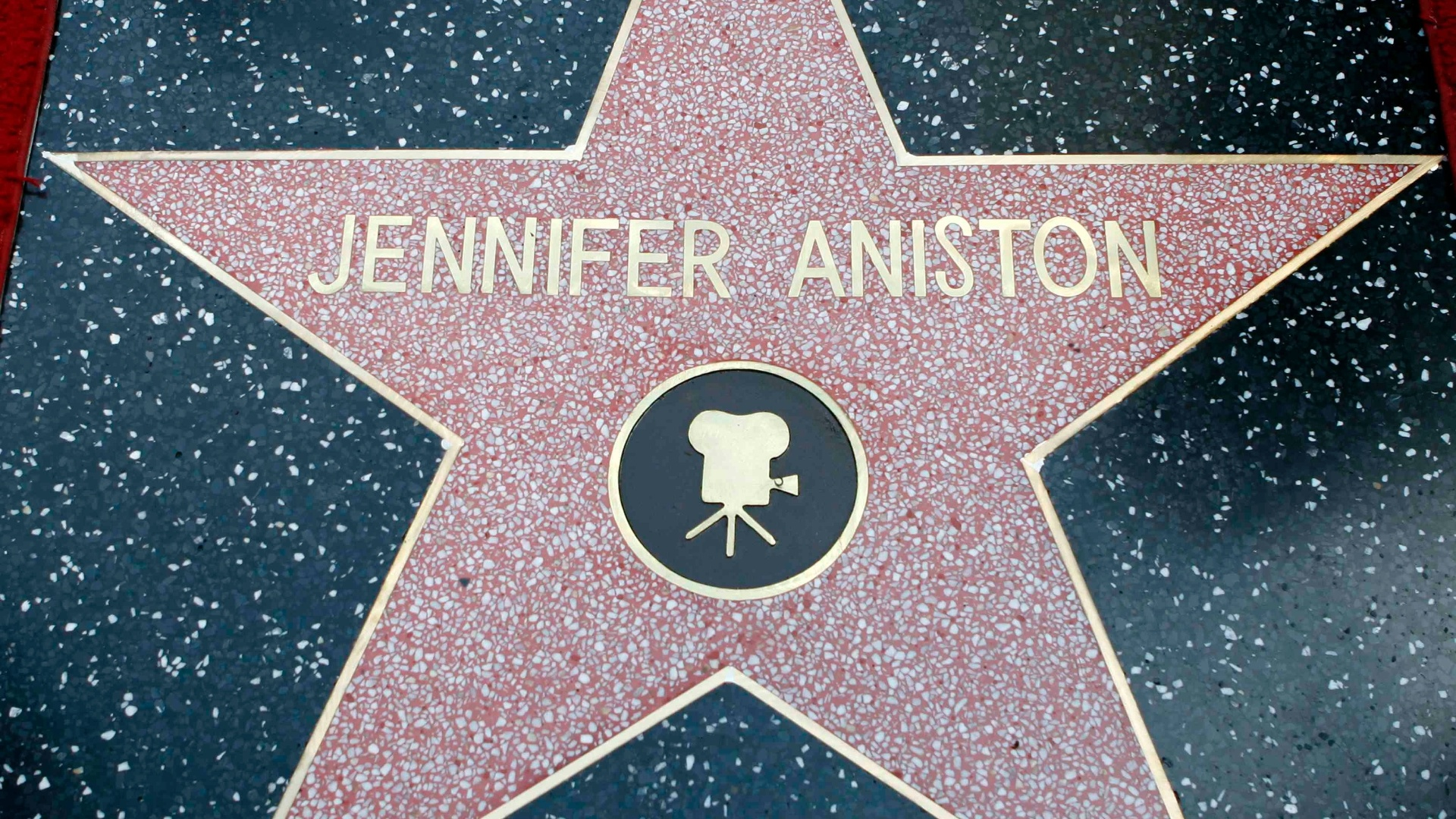 Jennifer Aniston ganha estrela na Calçada da Fama de Hollywood (22/2/12)