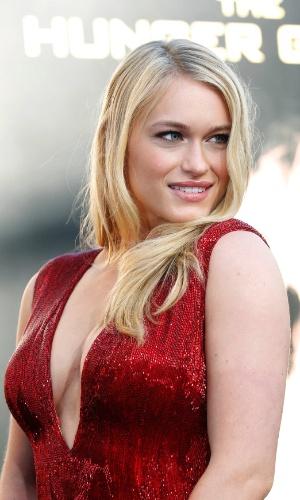 """A atriz Leven Rambin, que interpreta Glimmer em """"Jogos Vorazes"""", na pré-estreia do filme em Los Angeles (12/3/12)"""
