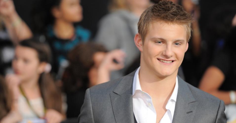 """O ator Alexander Ludwig, que interpreta Cato em """"Jogos Vorazes"""", na pré-estreia do filme em Los Angeles (12/3/12)"""