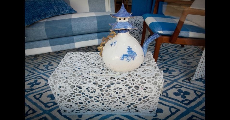 Mesa de centro revestida de crochê é uma opção leve para a sala-de-estar, conceito do designer Marcel Wanders