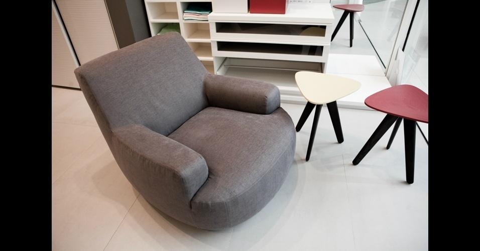 """Mini versão da poltrona """"Bug Chair"""" é a campeã de vendas da designer Paola Navone na marca Poliform"""