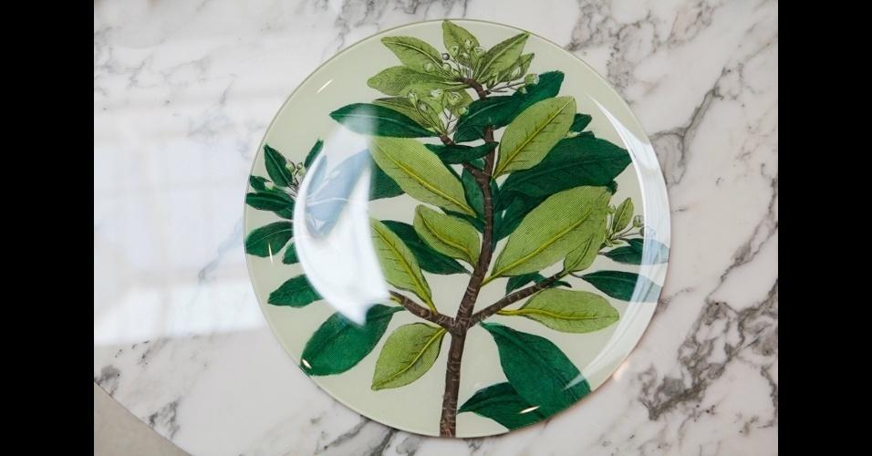 """Pintadas à mão, as louças da marca norte-americana John Derian não saem barato. Por exemplo, cada prato """"Cinnamon Branch"""" custa 160 libras, na loja Designers Guild"""