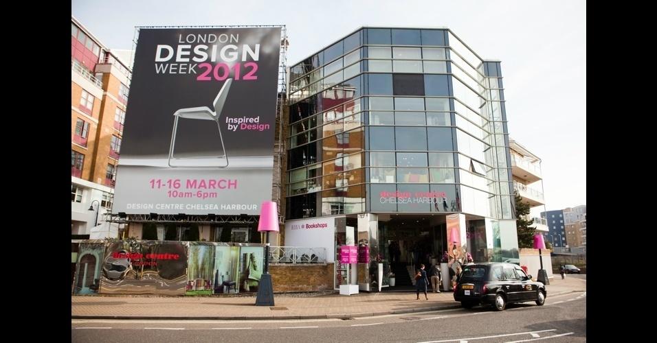 Prédio do Design Center Chelsea Harbour, no bairro de Chelsea, em Londres. De 11 a 13 de março, a London Design Week ficou aberta ao comércio; de 14 a 16, recebe o público. A feira reúne mais de quinhentas marcas de decoração neste ano