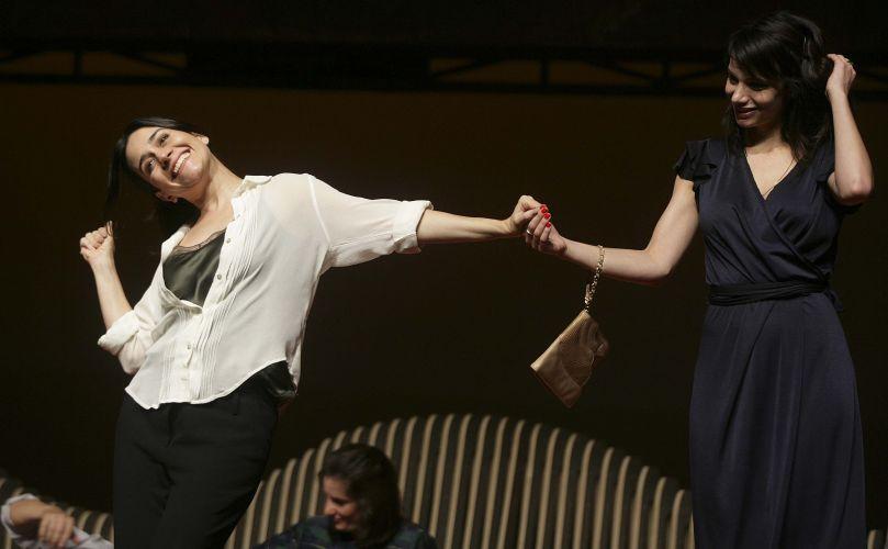 """A Jo joga com os outros personagens o tempo inteiro. Ela está em outro plano"""", diz Alessandra Negri"""