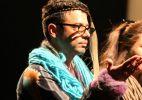 Los Super Elegantes fazem performance na Bienal de São Paulo