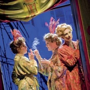 """Cena do musical """"Love Never Dies"""" (""""O Amor Nunca Morre""""), sequência de """"O Fantasma da Ópera"""", no Teatro Adelphi, de Londres  - Catherine Ashmore/Efe"""