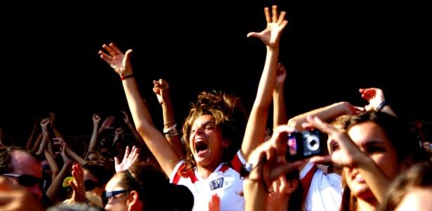 Foto de Guilherme Junior mostra torcedora do Flamengo em dezembro de 2009