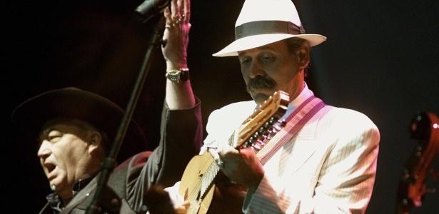 Barbarito Torres (dir.), do Buena Vista Social Club, faz show que abre a 6ª Virada Cultural - Reuters