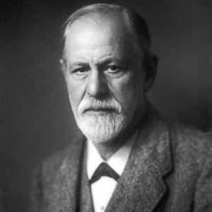 Sigmund Freud em foto de 1922: novo livro sobre o austríaco compara a psicanálise a uma religião - Museu Sigmund Freud/AP
