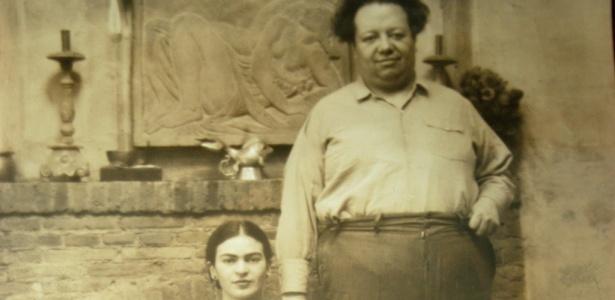 Retrato do pintor Diego Rivera ao lado de sua esposa, a também artista Frida Kahlo - Divulgação/Efe