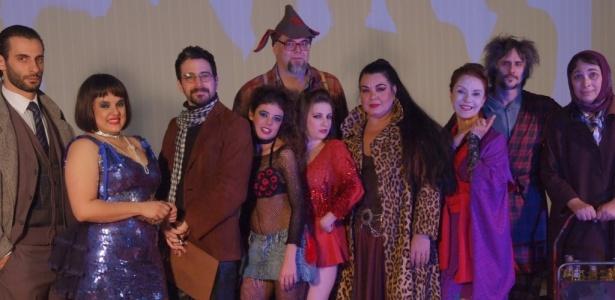 """Caco Ciocler (o terceiro, da esq. para a dir.) integra o elenco da peça """"Casting"""", em cartaz no Sesc Vila Mariana - Lenise Pinheiro/Divulgação"""