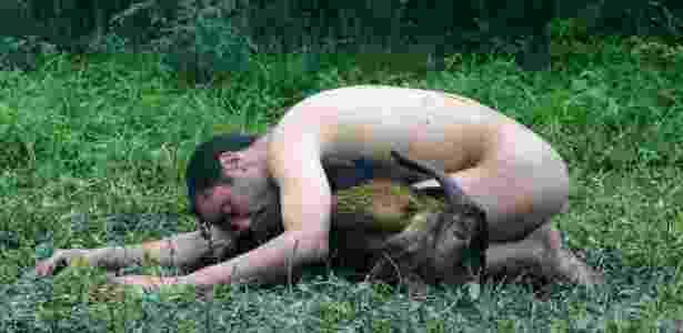 """Fotografia """"Comunhão II"""", de Rodrigo Braga (2006; 50 x 75 cm), faz parte da mostra """"Ecológica"""" - MAM/Divulgação"""