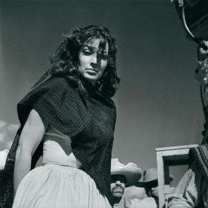 """Detalhe da fotografia """"María Félix En La Filmación De La Escondida"""" (1940-50), de Juan Rulfo - Juan Rulfo/Instituto Cervantes"""