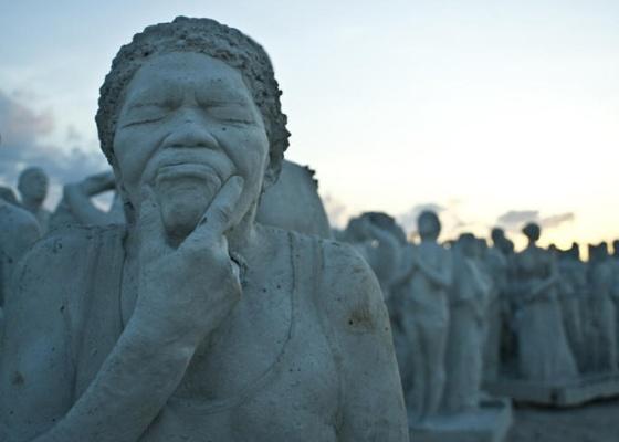 Esculturas de Jason DeCaires Taylor vão ajudar a recuperar barreiras de corais no México - Cortesia Museu Subaquático de Artes de Cancún/BBC Brasil