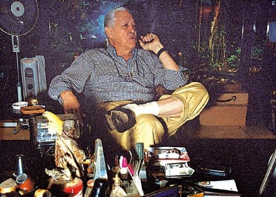 O artista Wesley Duke Lee, que morreu aos 78 anos, em seu ateliê (05/11/2004) - Bruno Giovvanetti / Divulgação