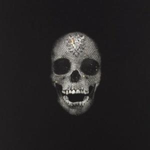 """Impressão colorida à mão em guache de """"Memento"""", caveira de diamantes de Damien Hirst - Divulgação"""