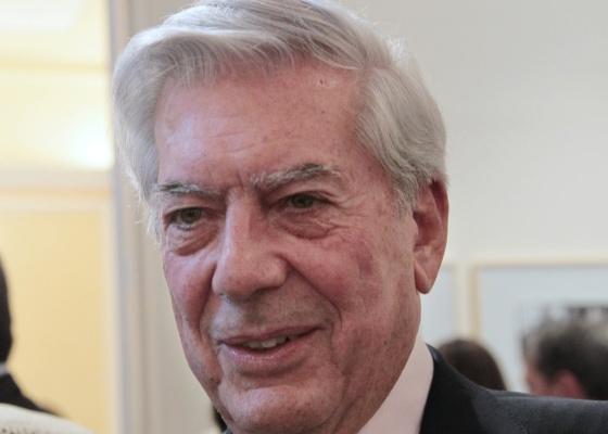 Mario Vargas Llosa, em foto de setembro deste ano: escritor achou que Nobel era trote - Jacques Demarthon / AFP