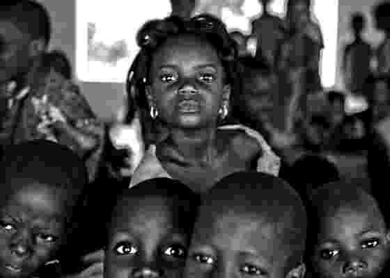Foto de 2009 mostra escola rural próxima a Abomey, no Benin - Ricardo Teles / Cortesia Pinacoteca do Estado de São Paulo