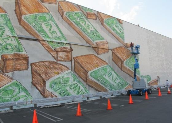 Mural do grafiteiro Blu é coberto no Museu de Arte Contemporânea de Los Angeles - Cortesia Casey Caplowe / www.unurth.com