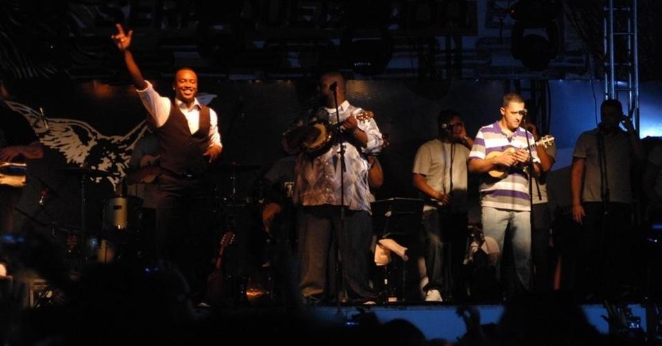 Show do Exaltasamba na quadra da Gaviões da Fiel (13/01/2011)