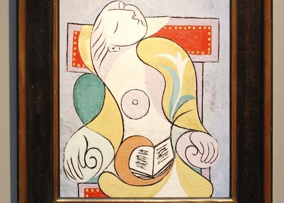 """Retrato pintado por Pablo Picasso em 1932 de sua jovem amante Marie-Therese Walter, exposto na Sotheby""""s de Londres (19/01/2011) - Benoit Tessier / Reuters"""