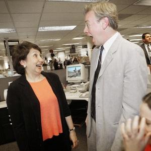 """Os repórteres do """"The Washington Post"""" Sari Horwitz e Scott Higham, vencedores do Prêmio Pulitzer de 2002 (08/04/2002) - AP Photo/Pablo Martinez Monsivais"""