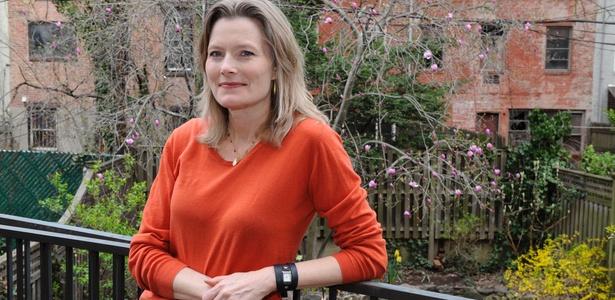 A escritora norte-americana Jennifer Egan em sua casa no Brooklyn, em Nova York (18/04/2011) - Henny Ray Abram / Reuters