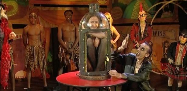 """""""Mulher-picles"""" eleita no Circo de Horrores de festival em Brighton, na Inglaterra - BBC"""