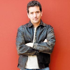 """O escritor peruano Santiago Roncagliolo, que venceu o prêmio Alfaguara em 2010 e o  Independent Foreign Fiction, em 2011, pelo livo """"Abril Vermelho"""" (10/4/2010) - Quim Llenas/COVER"""