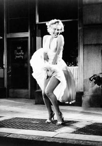 """A atriz Marilyn Monroe em cena do filme """"O Pecado Mora ao Lado (1955), dirigido por Billy Wilder"""