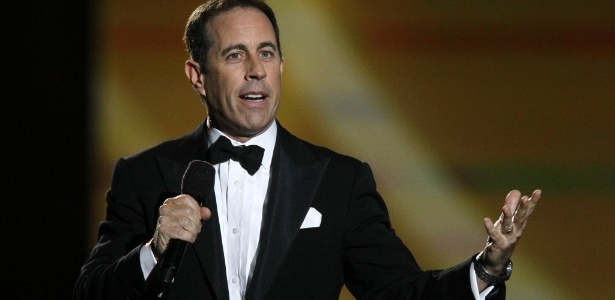 """O comediante Jerry Seinfeld durante o show """"Surprise Oprah! A Farewell Spectacular"""", em Chicago, nos EUA (17/5/2011) - Charles Rex Arbogast/AP"""
