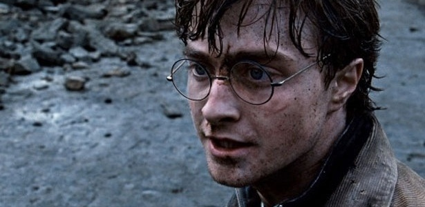"Harry Potter (Daniel Radcliffe) enfrenta inimigo mortal em cena de ""Harry Potter e as Relíquias da Morte: Parte 2"""